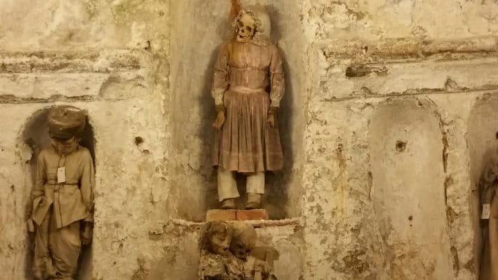 Le mummie dei bambini delle catacombe di Palermo