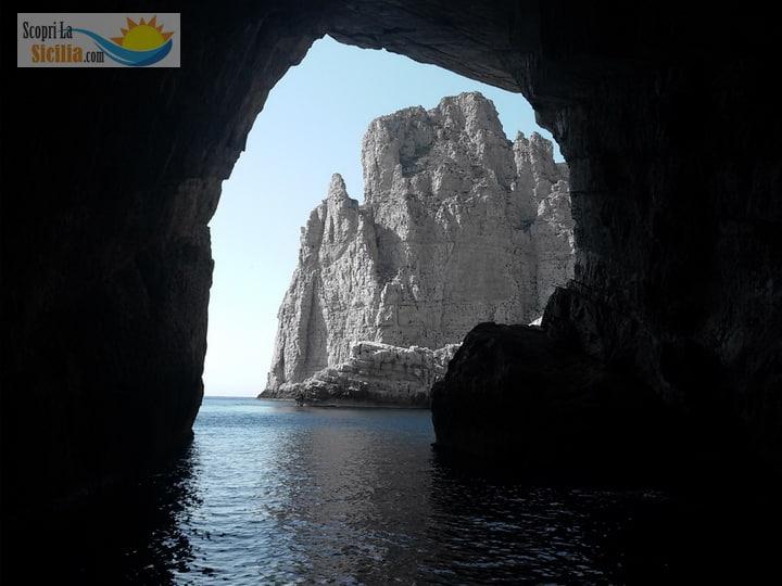 La Grotta della Bombarda a Marettimo