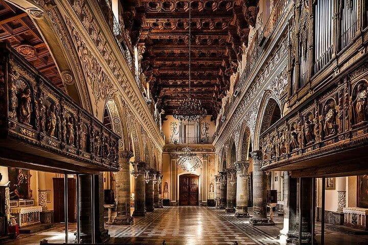 La navata centrale del Duomo di Enna